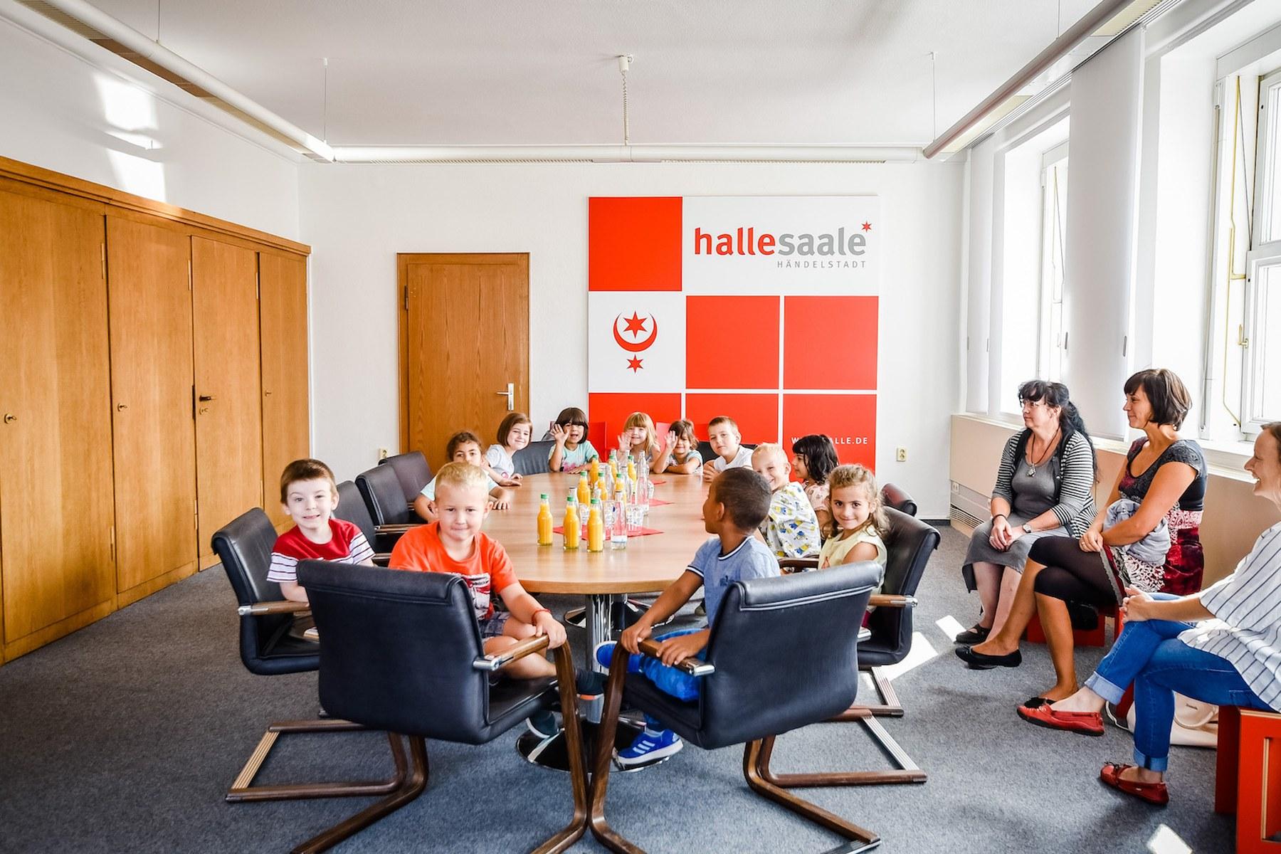 Kinder zu Gast im Rathaus